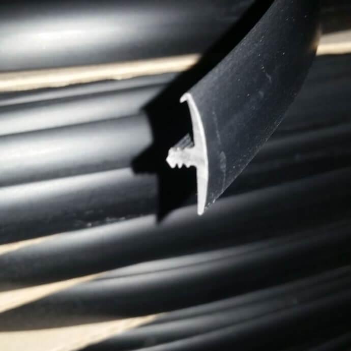 Black Single lipped T-trim edging